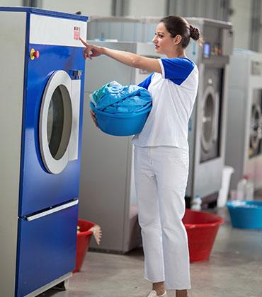 Waschmittel, Fleckenentferner, Waschverstärker, Weichspüler, Wäscherei